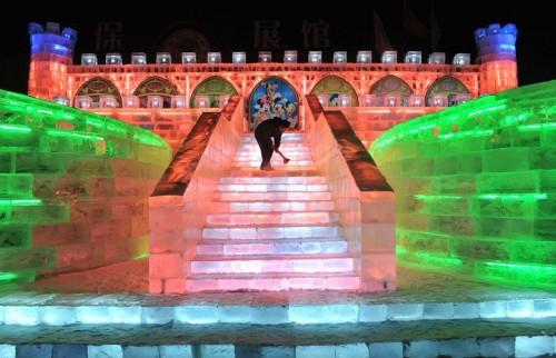 20100111-1263078165_harbin-ice-fest-26